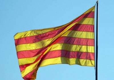Senyera_(Pl._Octavià,_S._Cugat_del_Vallès)_01